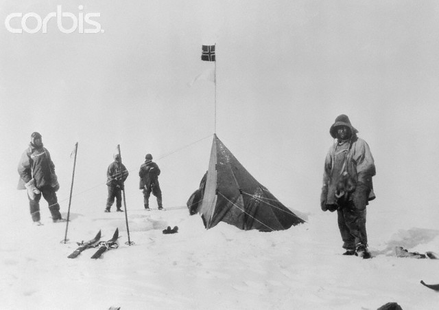 17 Jan 1912 --- Captain Robert Falcon Scott (right) and party on arrival at Amundsen's tent, where they found the Norwegian's record showing he'd discovered the South Pole two months previously. --- Image by © Bettmann/CORBIS