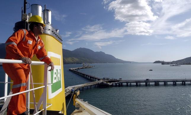Segundo o Sindicato, SINDMAR (Sindicato Nacional dos Oficiais da Marinha Mercante)) a proposta será analisada em assembleia na próxima quarta-feira (4).