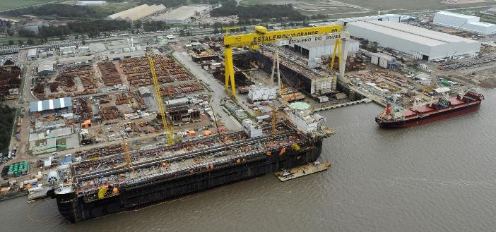 Afetada diretamente pela Operação Lava Jato, a indústria naval brasileira demitiu mais de 50 mil pessoas desde 2014, quando a área de petróleo atingiu seu pico de encomendas.