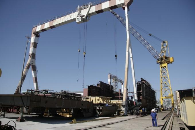 A carteira do Eisa prevê a construção de três navios porta-contêineres para a Log-In, que estão paralisados.